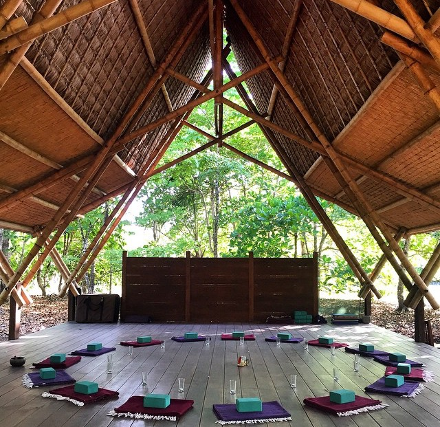 Boca Sombrero Yoga Deck Costa Rica jungle