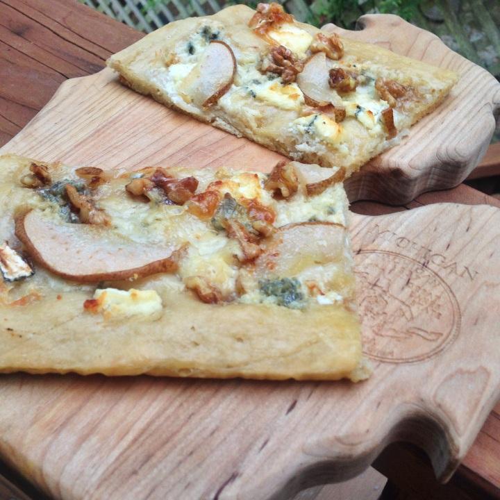 Pizza Gorgonzola e Noci Valentina Rose Costa Rica Nutrition Blog