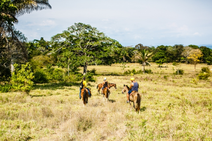 10-things-to-do-in-matapalo-osa-peninsula-costa-rica-valentina-rose-blog-horse-back-riding