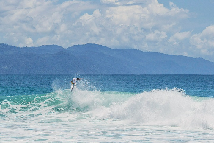 What-to-do-in-matapalo-costa-rica-osa-peninsula-surf