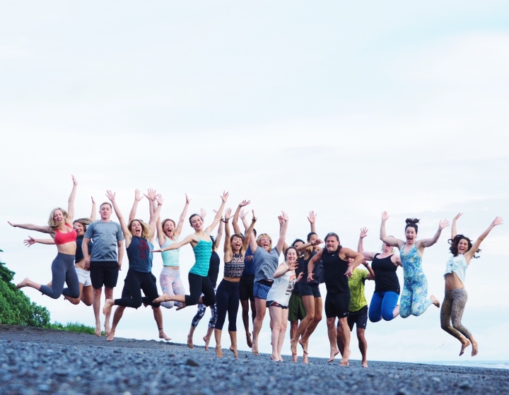 Happy-New-You-Yoga-Retreat-New-Years-Eve-Ewa-Valentina-Sansara-Panama-Group-Shot
