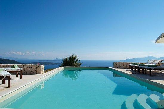 urania-luxury-villas